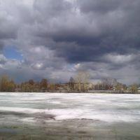 Купавинский пруд весной. Вид на ул. Октябрьская., Купавна