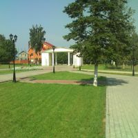 Перед Домом культуры, Обухово