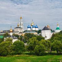 Walking to St Sergius Monastery.. Sergiev Posad.. Russia.. by geotsak, Сергиев Посад