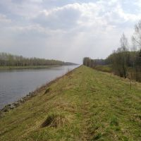 По берегу канала, Темпы