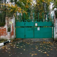 Ворота усадьбы Успенское, Успенское