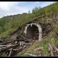 Заброшенная штольна на склоне Юкспорра, Кировск
