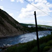 Река Кола недалеко от впадения в Тулому, Кола