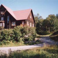Красивое строение. 2002 год., Мурмаши