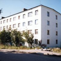 Дом номер 8 по улице Цесаркого. 2002 год., Мурмаши