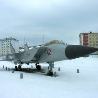 "Mikoyan MiG-31 as monument to heroes of a novel ""The Two Captains"" by Veniamin Kaverin, Полярный"