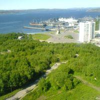 Вид на залив и Приморскую площадь с улицы Полярной, Североморск