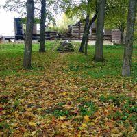 Руины главного дома усадьбы Меньшикова, Валдай, Валдай