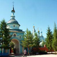 Надвратная церковь со двора., Саракташ