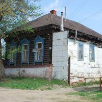 Сердобск. Старый дом с крыльцом, оббитым старым листовым железом, Сердобск