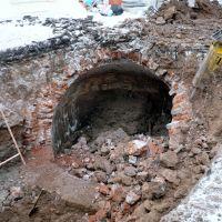 Старинный канализационный коллектор во дворе дома Мешкова, Пермь