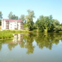 Hotel at lake, Чайковский