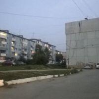 ул Симферопольская, вечер, Артем