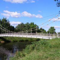 Великие Луки. Подвесной мостик через реку Ловать с острова Дятлинка, Великие Луки