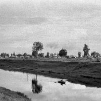 Порхов. Одинокий лодочник на р.Шелони. 07/1956г., Порхов