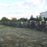 Стена, Азов
