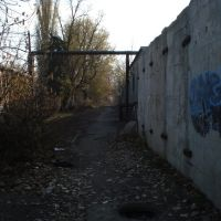 Just a walkway near hospitals walls, Алмазный