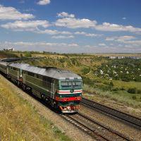 Diesel locomotive TEP70-0341 with train, Аютинск