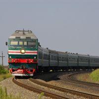 Diesel locomotive TEP70-0330 with train, Аютинск