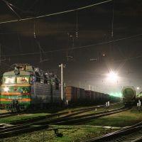 Electric locomotive VL80S-679 on train station Bataysk (2336*1552 pix), Батайск