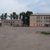 Знаменитая центральная площадь обладает каким-то метафизичным тревожищим достоинством., Боковская