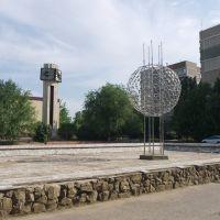 Фонтан рядом со школой, Волгодонск