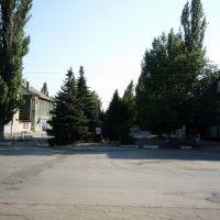 Центр пос. Шолоховский . Памятник Димитрову., Горняцкий