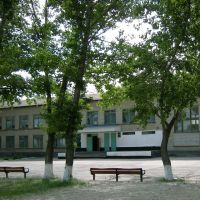 Школа, Жирнов