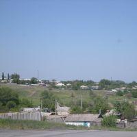 "Вид с улицы Ленина (на ""сахалине"") на двухэтажки., Жирнов"