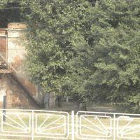 крест недалеко от вокзала, Заводской