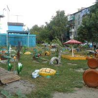 Дворик в Зверево 2011г., Зверево