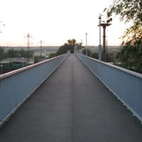 Мост через железную дорогу, Каменоломни