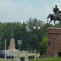 Платов на коне и Ермак на площади, Новочеркасск