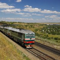 Diesel locomotive TEP70-0341 with train, Тарасовский