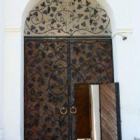 Орнамент  оформления  дверей  просто  блистательный., Заречный