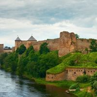 Ivangorod fortress and Narva castle, Ивангород