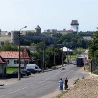 Ivangorod fortress and the Narva castle., Ивангород