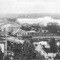 Вид с колокольни на р. Ижору. В центре за мостом - Никольская улица., Колпино