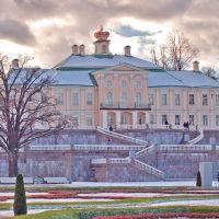 Большой Ораненбаумский дворец. Вид от нижнего сада. A view of the palace of Prince Menshikov from the lower park., Ломоносов