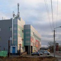 Торговый центр на перекрёстке Луначарского и Пушкина, Балашов