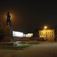 Monument to Chernyshevsky at night, Саратов