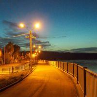 Ночная набережная Хвалынска, Хвалынск