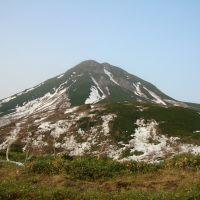 羅臼岳 春(Mt. Rausu), Южно-Курильск
