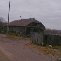 И здесь по-моему до сих пор живут (Дом в котором в мое время жили Атморковы и Зариповы...), Катангли