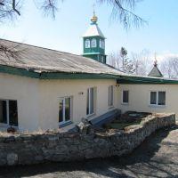 во дворе Свято-Покровского мужского монастыря, Корсаков