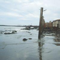 остатки малого портового сооружения и защита подручными средствами, Макаров