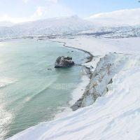 Вид с сопки Сигнальная на берег Тихого океана, Северо-Курильск