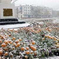 Первый снег.Главная площадь, Углегорск