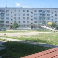 Двор дома 28 на ул. Партизанской, Богданович