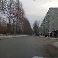 Улица мира около дома 4, в правом верхнем углу Мира 6, Изумруд
